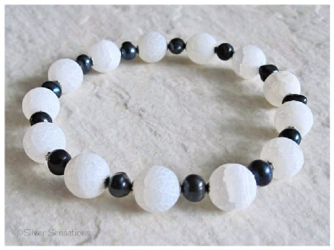 White Frosted Dragon's Vein Agate, Black Freshwater Pearl & Sterling Silver Bracelet